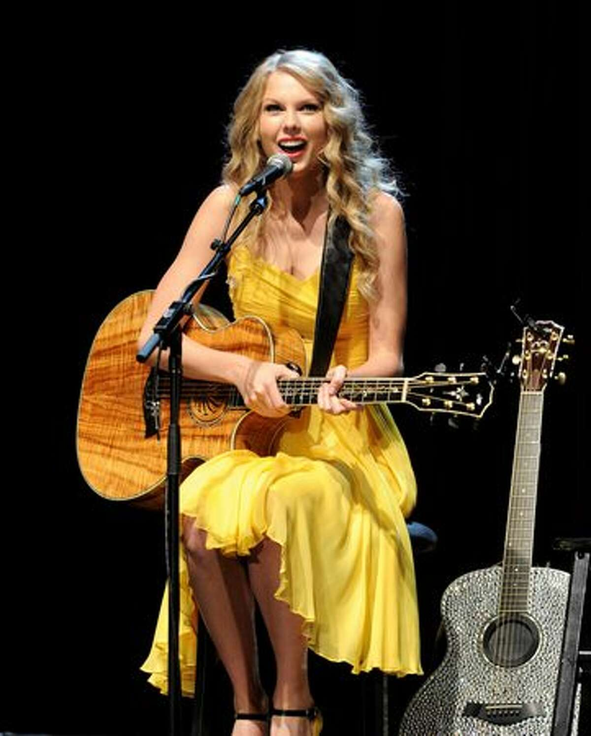 Singer/songwriter Taylor Swift performs at the Country Music Hall of Fame & Museum's