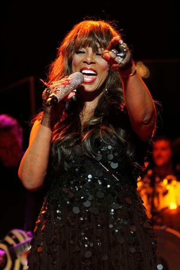 Disco queen Donna Summer dead - San Antonio Express-News