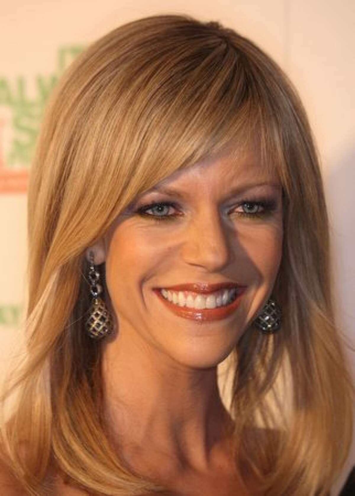 Actress Kaitlin Olson attends