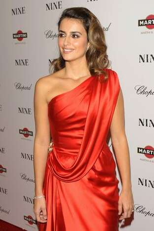 "Actress Penelope Cruz attends the New York premiere of ""NINE"" at the Ziegfeld Theatre in New York City. Photo: Getty Images / Getty Images"