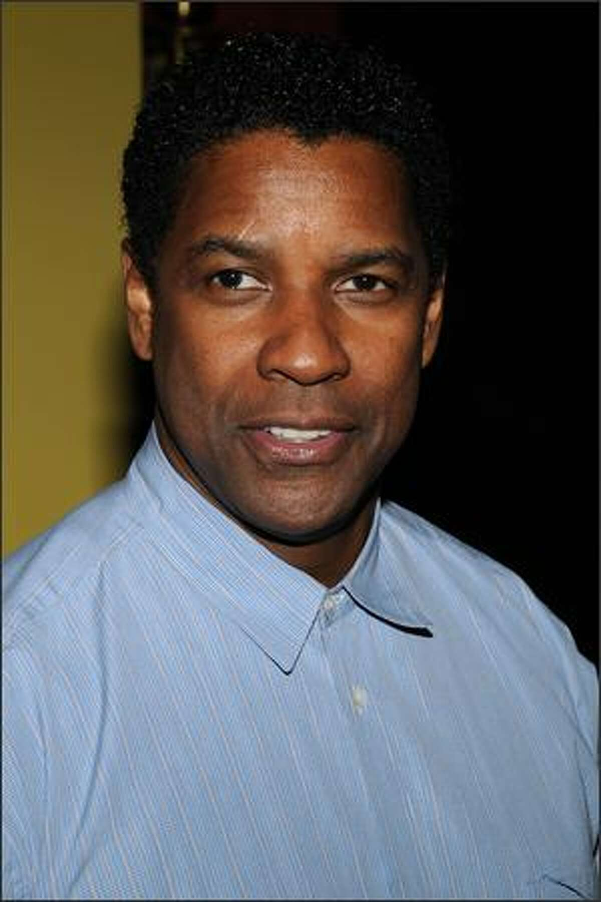 """Actor Denzel Washington arrives at the premiere of """"The Great Debaters"""" at the Ziegfeld theater on Wednesday in New York City."""