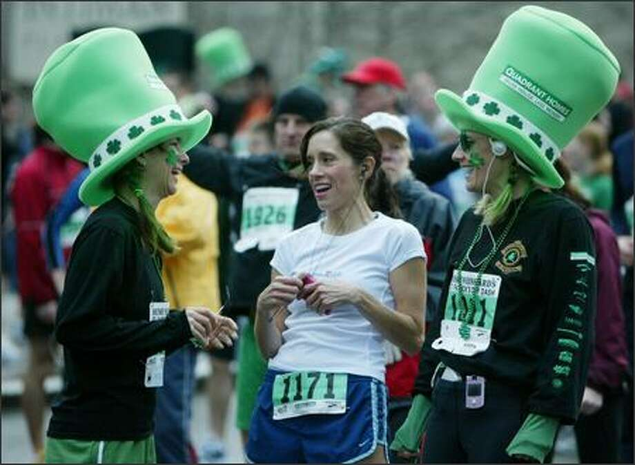 Some runners came more seriously dressed than others. Photo: Paul Joseph Brown, Seattle Post-Intelligencer / Seattle Post-Intelligencer