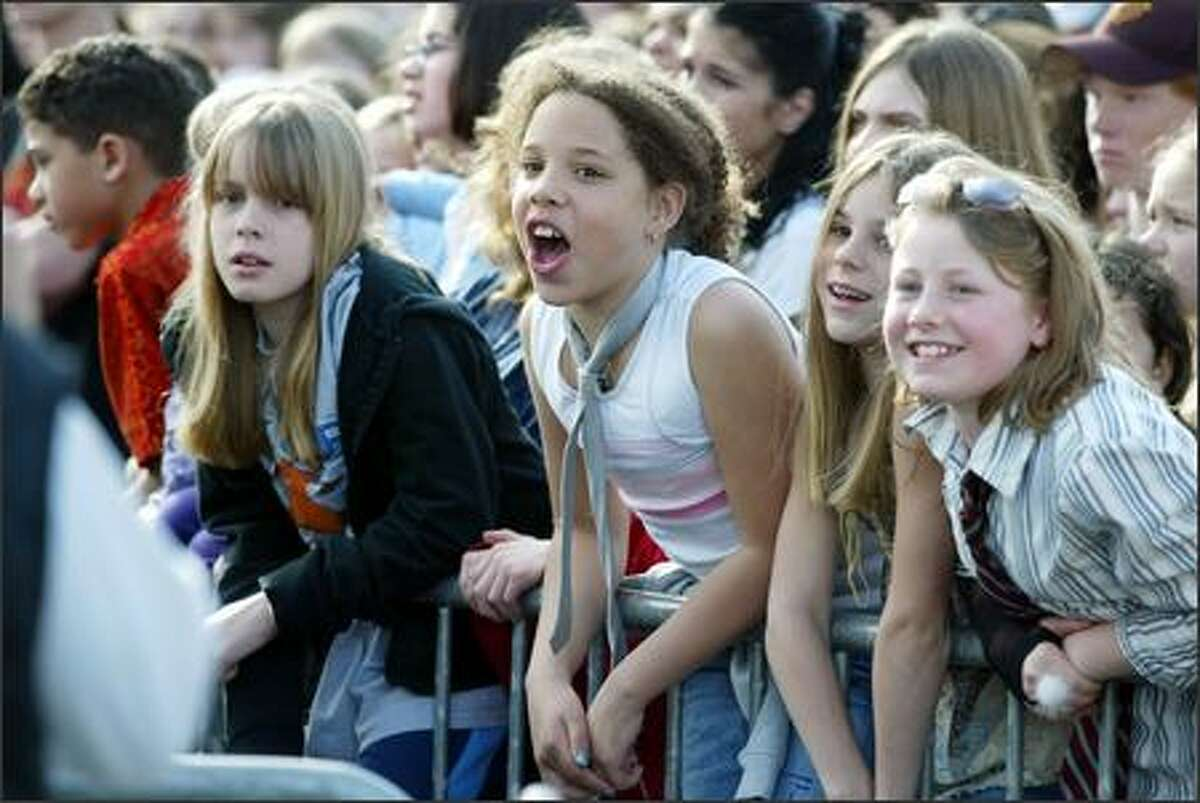 Avril Lavigne fans at her Southcenter Mall concert.