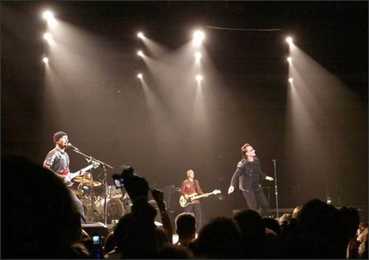 The Vertigo tour marked U2's first concert in the Pacific Northwest since they played the Tacoma Dome in 2001.