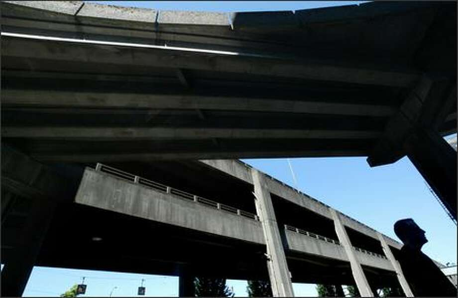 Alaskan Way Viaduct repair is likely to add to Seattle's traffic congestion problems, according to a study that looks at the possible closure of state Route 99. Photo: Dan DeLong, Seattle Post-Intelligencer / Seattle Post-Intelligencer