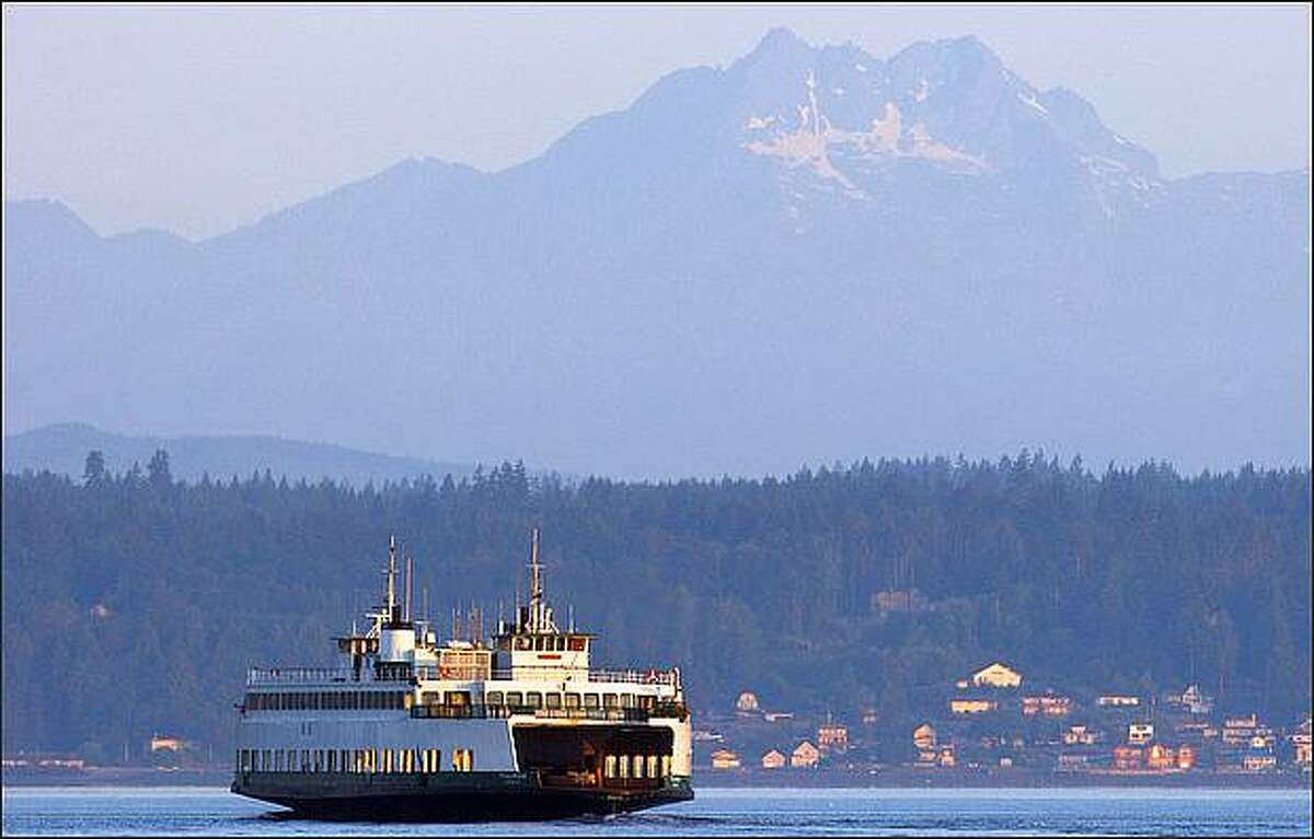 The housing bust has ended in a big way in the Seattle area, with lower prices and historically low interest rates inducing buyers to act. The only problem now is that many buyers are having a tough time finding something they like and, when they do, face stiff competition.Over the past six months the average number of homes for sale in King County was enough for just 2.2 months worth of sales, at the average sales pace. That's well below the six months of supply generally considered the point of balance between buyers and sellers.While no part of King County is anywhere near six months of supply, there's a spread of more than three months between the areas with the highest and lowest inventories. Here's the situation over the past six months in all 30 Northwest Multiple Listing Service areas in King County, starting with the place where it was easiest to find a home: No. 30. Vashon Island, which averaged 4.3 months of supply. (We looked at six months because some areas have few sales in any given month.)