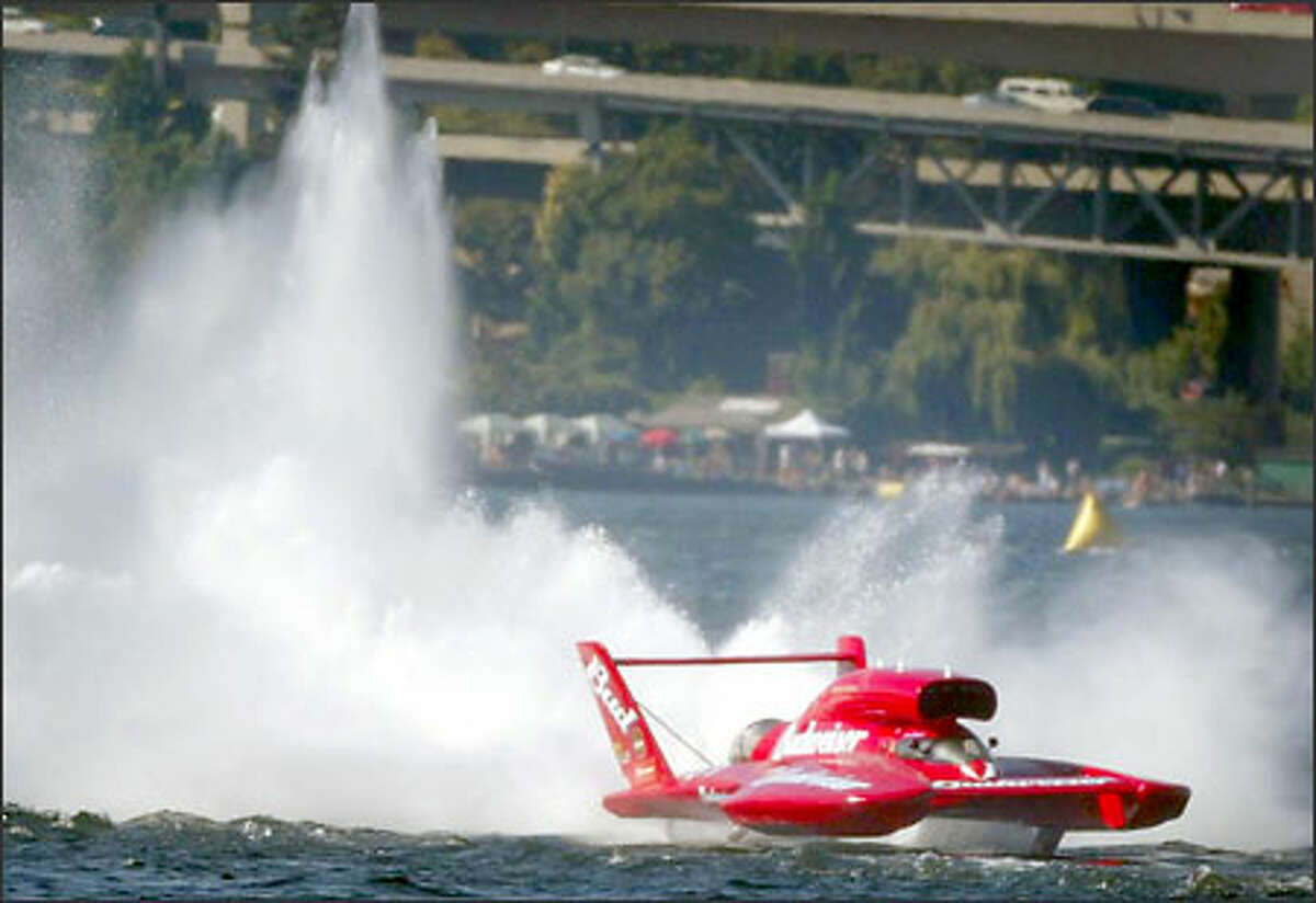 The U-1 Miss Budweiser makes her final lap around Lake Washington during the Chevrolet Cup Finals.