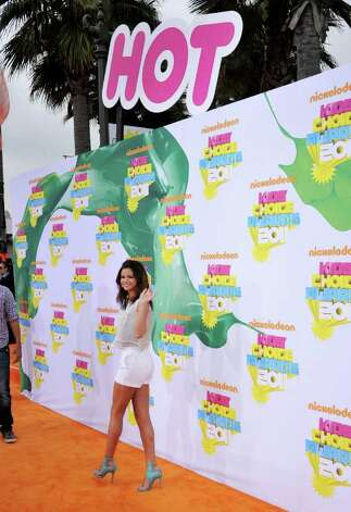 Selena Gomez arrives at Nickelodeon's 24th Annual Kids' Choice Awards on Saturday, April 2, 2011, in Los Angeles. Photo: AP