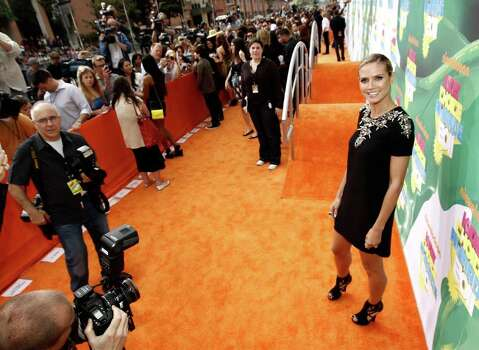Model Heidi Klum arrives at Nickelodeon's 24th Annual Kids' Choice Awards on Saturday, April 2, 2011, in Los Angeles. Photo: AP