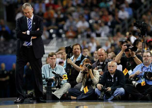 Connecticut coach Jim Calhoun during the first half of the NCAA National Championship at Reliant Stadium on Monday, April 4, 2011, in Houston.  ( Nick de la Torre / Houston Chronicle ) Photo: Nick De La Torre, Houston Chronicle For The Connecticut Post / Houston Chronicle for the Connecticut Post