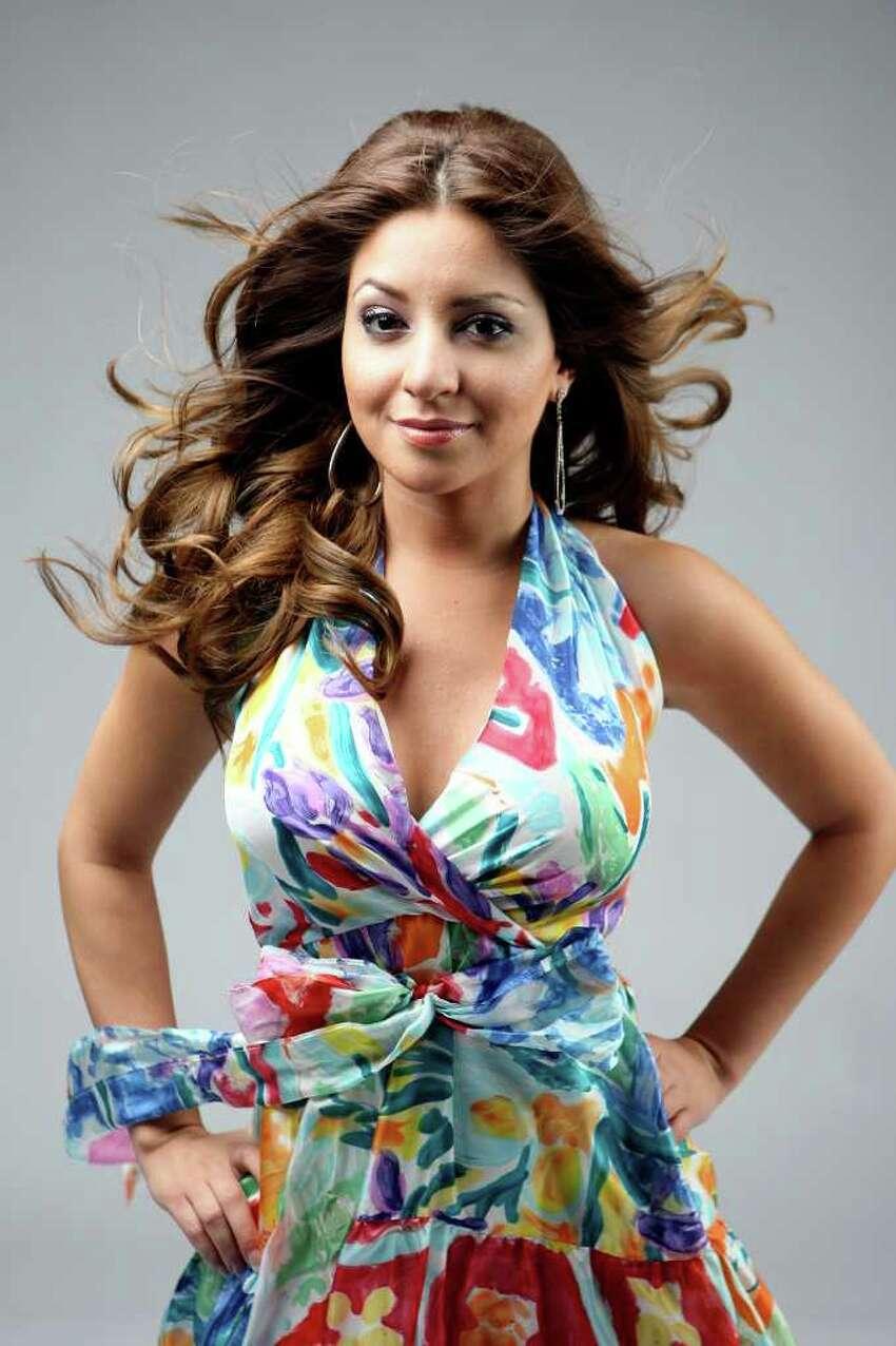 CONEXION: 2008 Hottest Latina, Roxanne Hernandez. HELEN L. MONTOYA/hmontoya@conexionsa.com