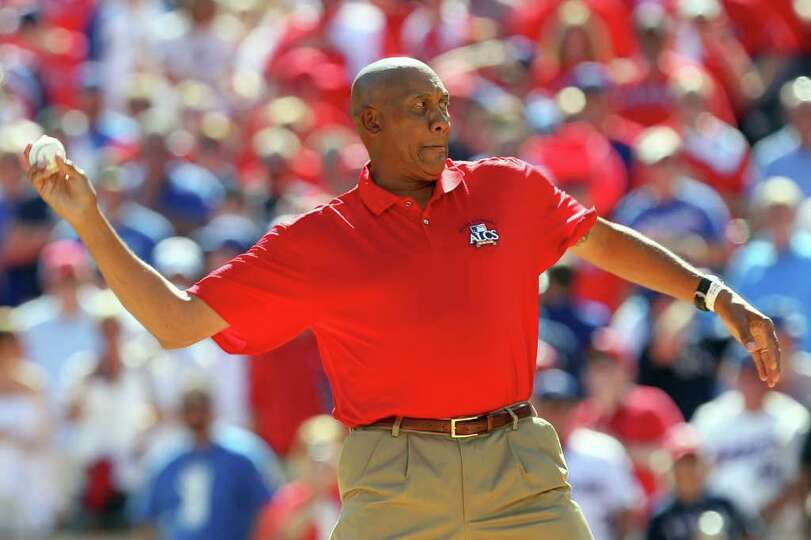 ARLINGTON, TX - OCTOBER 16:  Hall of Famer and former Texas Rangers pitcher Ferguson Jenkins throws