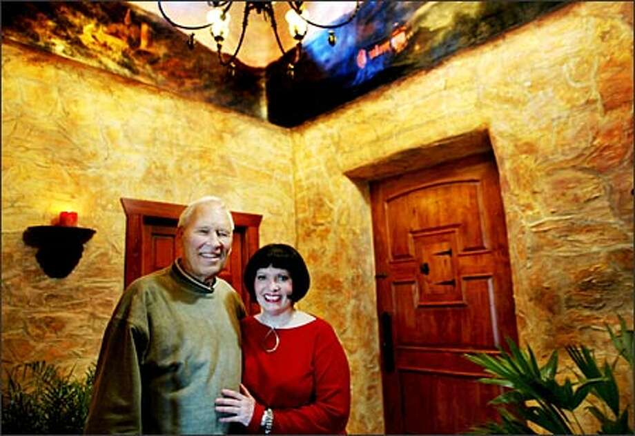 Jane Bakken and Jack Fecker remained focused on their vision of building their straw bale house throughout their three-year battle with skeptical King County building authorities. Photo: Renee C. Byer, Seattle Post-Intelligencer / Seattle Post-Intelligencer