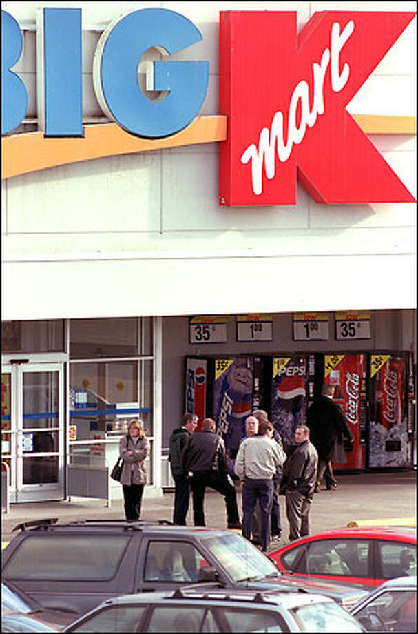 Among Kmart Corp.'s stores in Western Washington is this one in the 13000 block of Aurora Avenue North in Seattle. Photo: Phil H. Webber, Seattle Post-Intelligencer / Seattle Post-Intelligencer