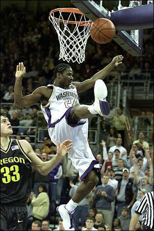 Former Husky player Doug Wrenn, pictured here in 2002, has a Friday court hearing for an ongoing domestic violence case, in which he's pleaded not guilty to several counts. A King County Deputy Prosecuting Attorney has been placed on administrative leave after police searched her office and other locations for Wrenn's cell phone. Photo: Meryl Schenker, Seattle Post-Intelligencer / Seattle Post-Intelligencer