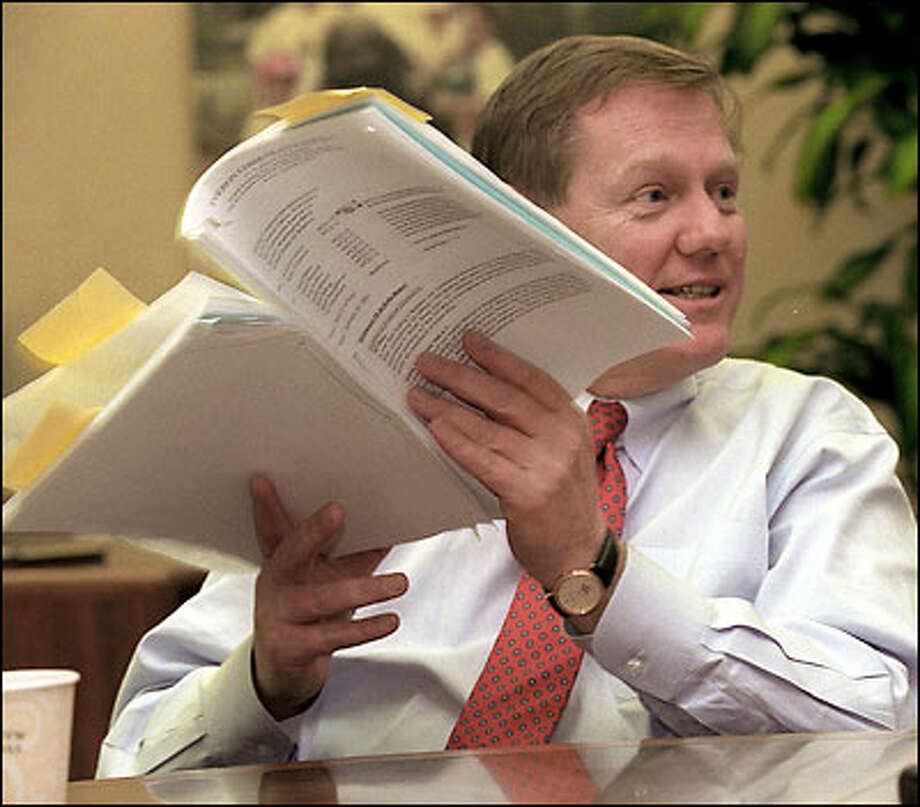 Alan Mulally, head of Boeing Commercial Airplanes, talks in his Renton office about the prospects for moving production from the Renton plant. Photo: Phil H. Webber, Seattle Post-Intelligencer / Seattle Post-Intelligencer