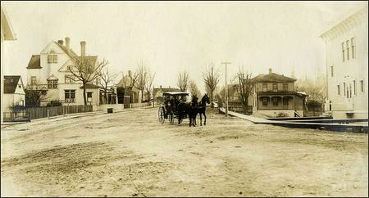 Port Gamble town site in 1907. Port Gamble was established in 1853 by the Puget Mill Co., which became Pope & Talbot Co. Port Gamble, now a historic district, was the state's last company-owned timber town, not closing its mill until 1995.