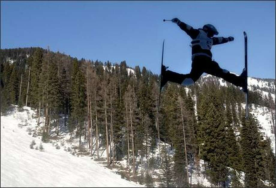 Landon Gardner soars towards the finish line to claim third place at the 2006 NorAm Freestyle Championships in Missoula, Mont. (AP Photo/The Missoulian, Linda Thompson) Photo: Associated Press / Associated Press