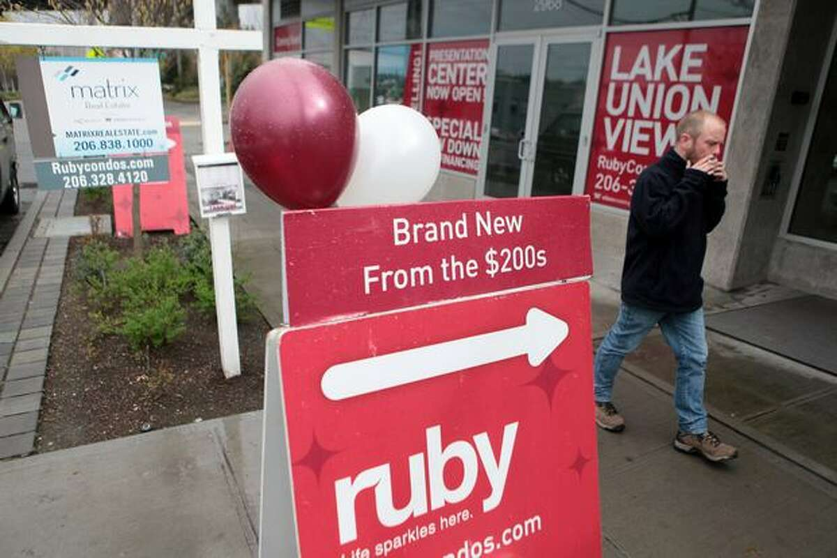 The new Ruby condos on Eastlake Avenue East in Seattle, shown on Wednesday, March 17, 2010.