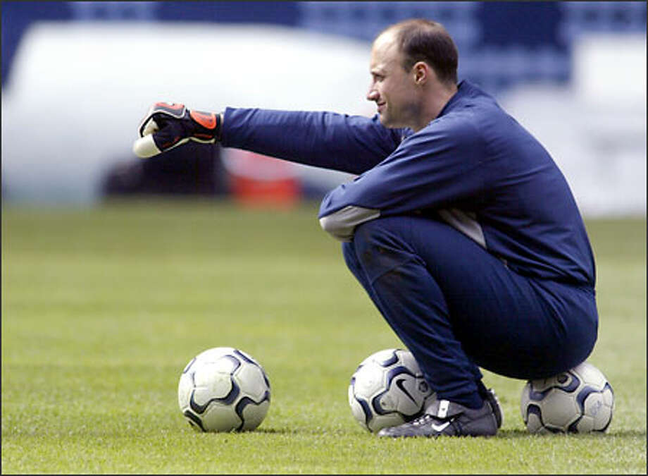 Kasey Keller is a Lacey native who regularly played in the English Premier League. Photo: Jim Bryant, Seattle Post-Intelligencer / Seattle Post-Intelligencer