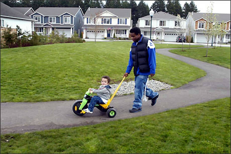 10. Covington: Renters in this King County community paid $1,407 a month on average in rent. About 44.4 percent of residents paid more than 35 percent of their income in rent. Photo: Scott Eklund, Seattle Post-Intelligencer / Seattle Post-Intelligencer