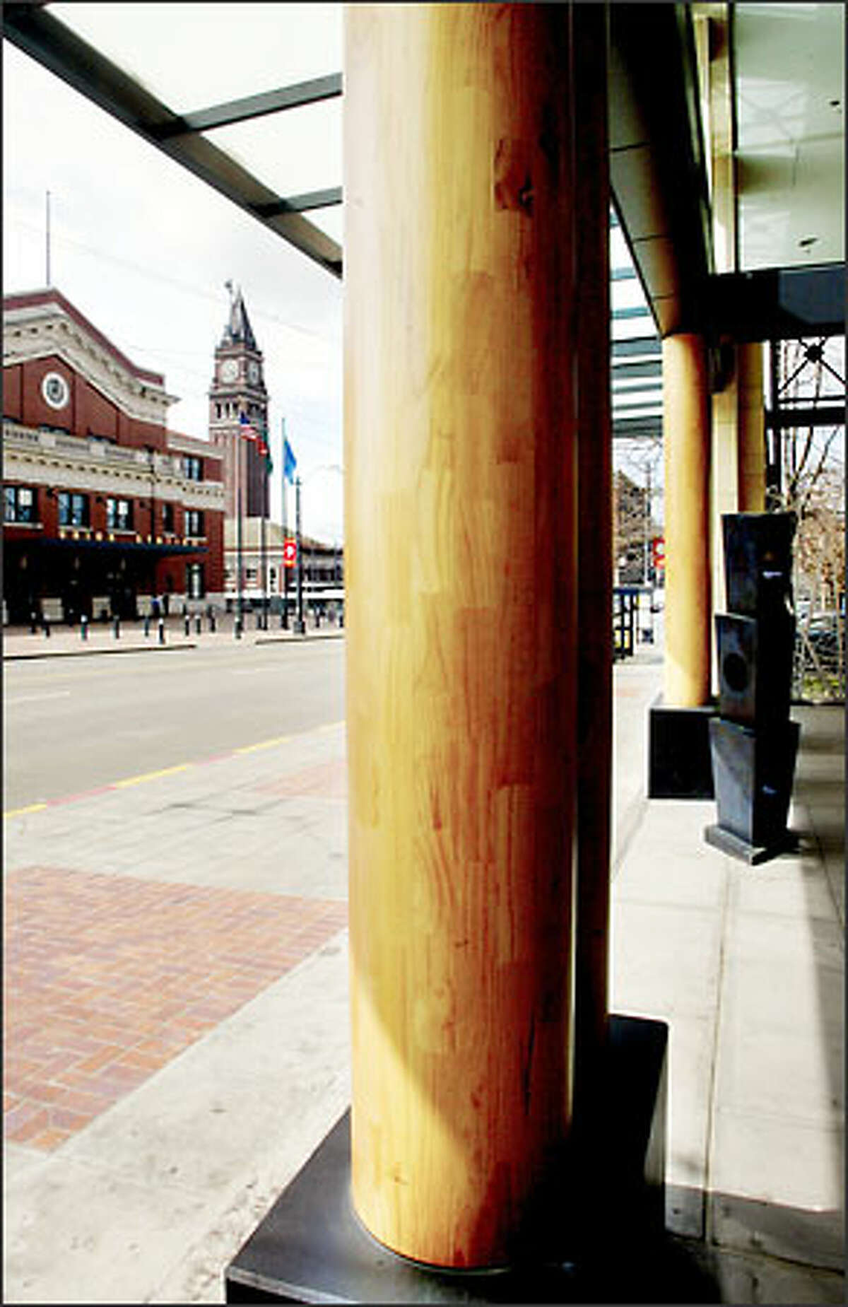 Wood columns at the Jackson Street entrance also serve a questionable stylistic purpose.