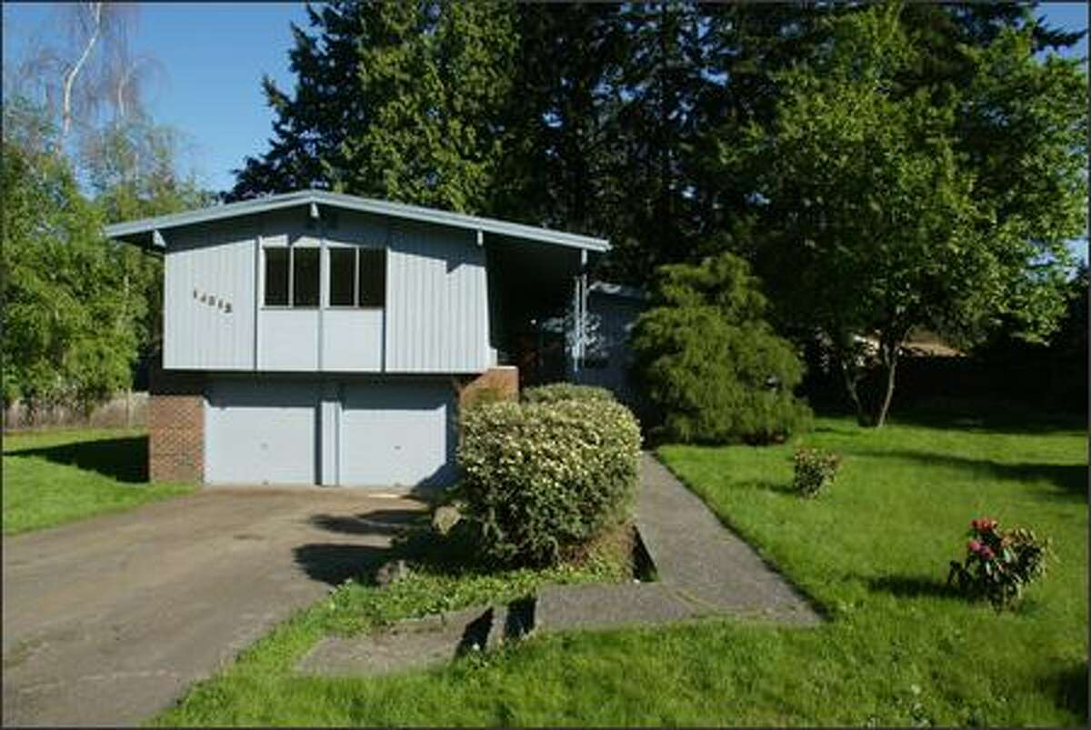 KIRKLAND: Four bedrooms, 2.75 baths, 1,920 square feet, plus unfinished basement space and a porch, built in 1966, on a 13,050-square- foot lot. Sold for $407,500 on April 27. A 30-year mortgage with an interest rate of 6 percent, no down payment, would result in a $1,954.53 monthly payment, according to Bankrate.com.