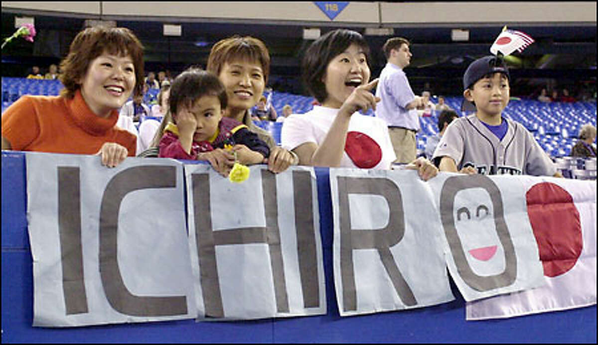 Fans of Ichiro Suzuki are popping up wherever the Mariners travel, including SkyDome.