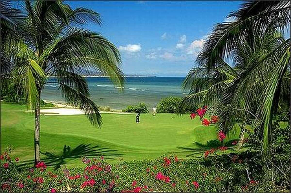 The seventh hole at the St. Regis Punta Mita Pacifico golf course in Puerto Vallarta, Mexico. (Courtesy St. Regis Punta Mita Resort)