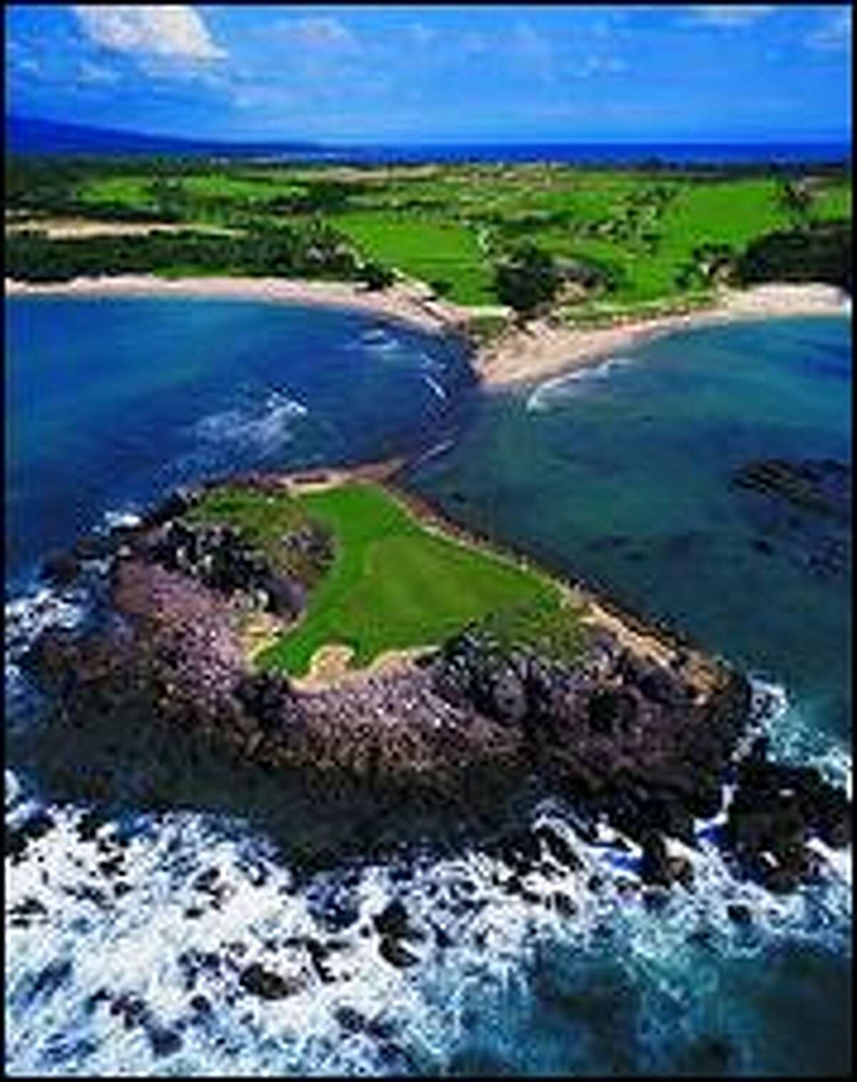 The green on No. 3 at the St. Regis Punta Mita Pacifico course is known as the Tail of the Whale. It is the only natural island green in the world. (Courtesy St. Regis Punta Mita Resort)
