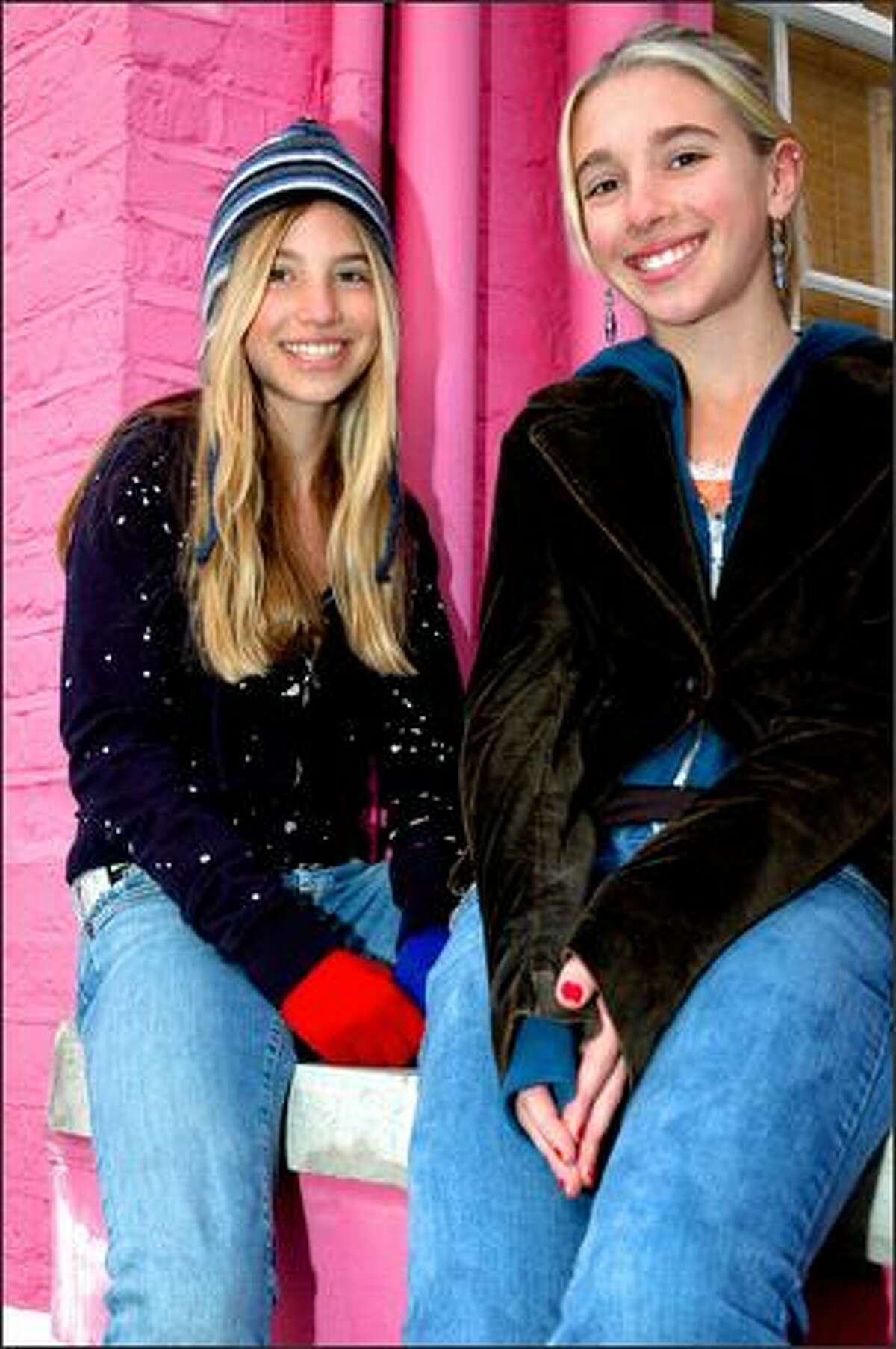 Smoosh -- Seattle sisters Chloe, left, and Asya -- will bring their anti-smoking message to Saquatch!, which has banned tobacco promotion since 2005.
