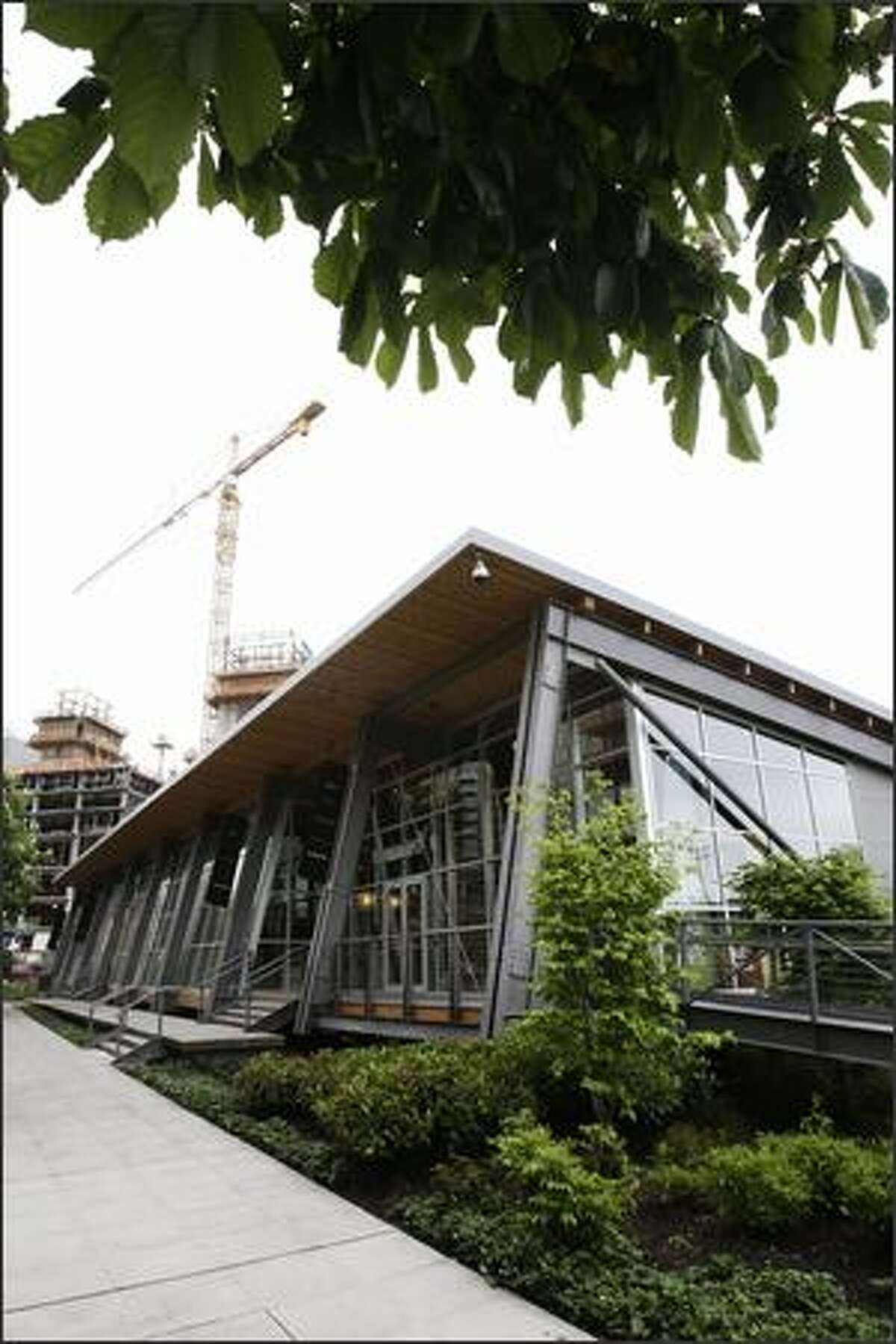 The South Lake Union Discovery Center is a sleek shed designed to be unbolted and trucked away.