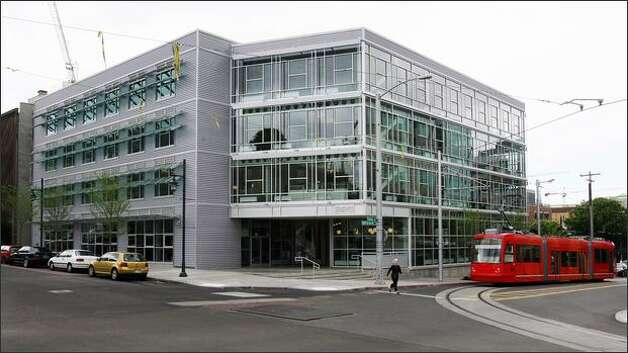The new ultra-green Terry Thomas office building. Photo: Dan DeLong, Seattle Post-Intelligencer / Seattle Post-Intelligencer