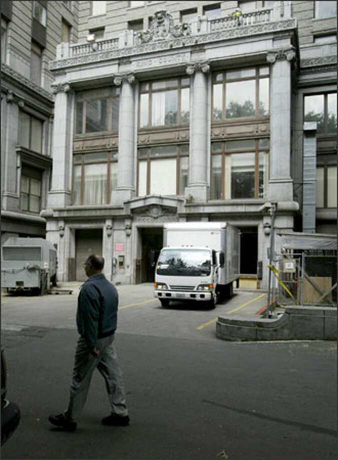 Today's view of the King County Courthouse's south entrance, which is now used as a loading dock. The 90-year-old building is next to City Hall Park. Photo: Gilbert W. Arias, Seattle Post-Intelligencer / Seattle P-I