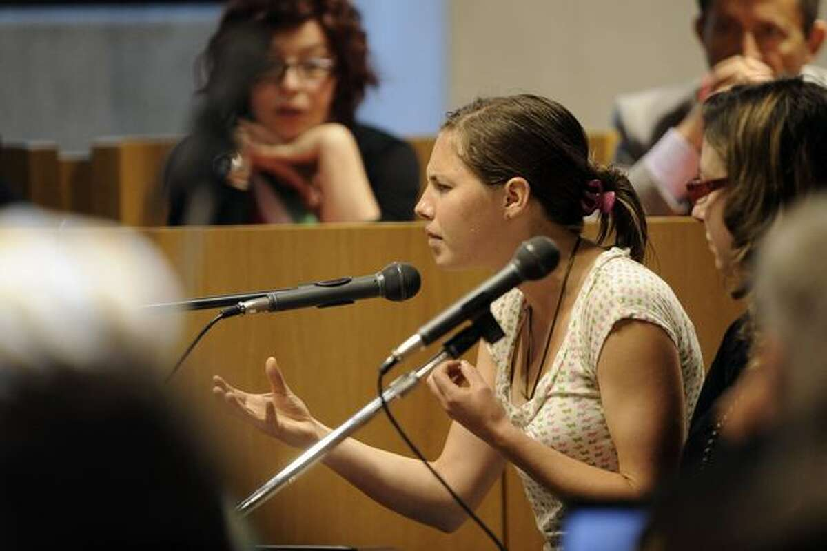 Amanda Knox testifies at the Meredith Kercher murder trial in Perugia, Italy, on Saturday.
