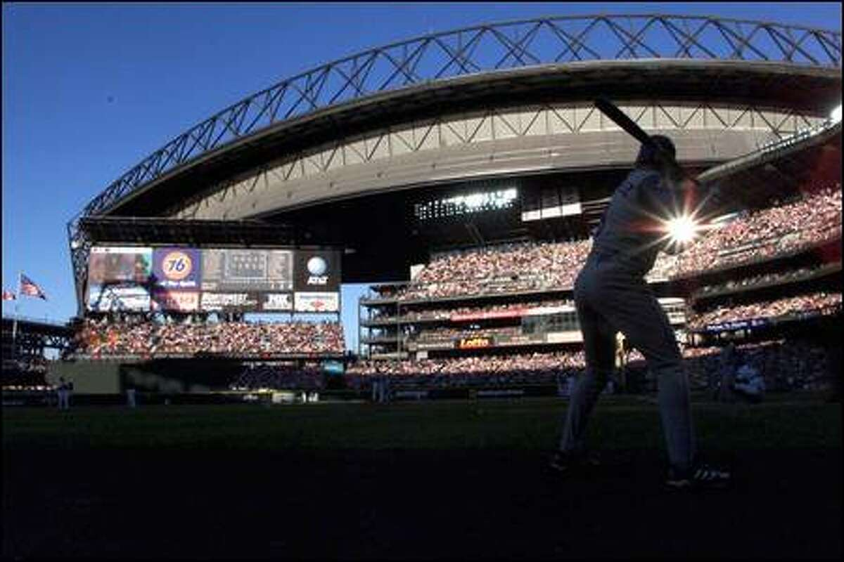 The first-place Mariners, who play in the most expensive park ever built, had gross revenues of $166 million in 2001.