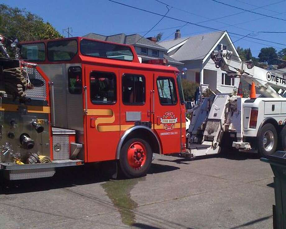 A transmission control keypad malfunction was what delayed this Seattle engine at the fatal Fremont fire June 12. Photo: Casey McNerthney, Seattlepi.com / seattlepi.com