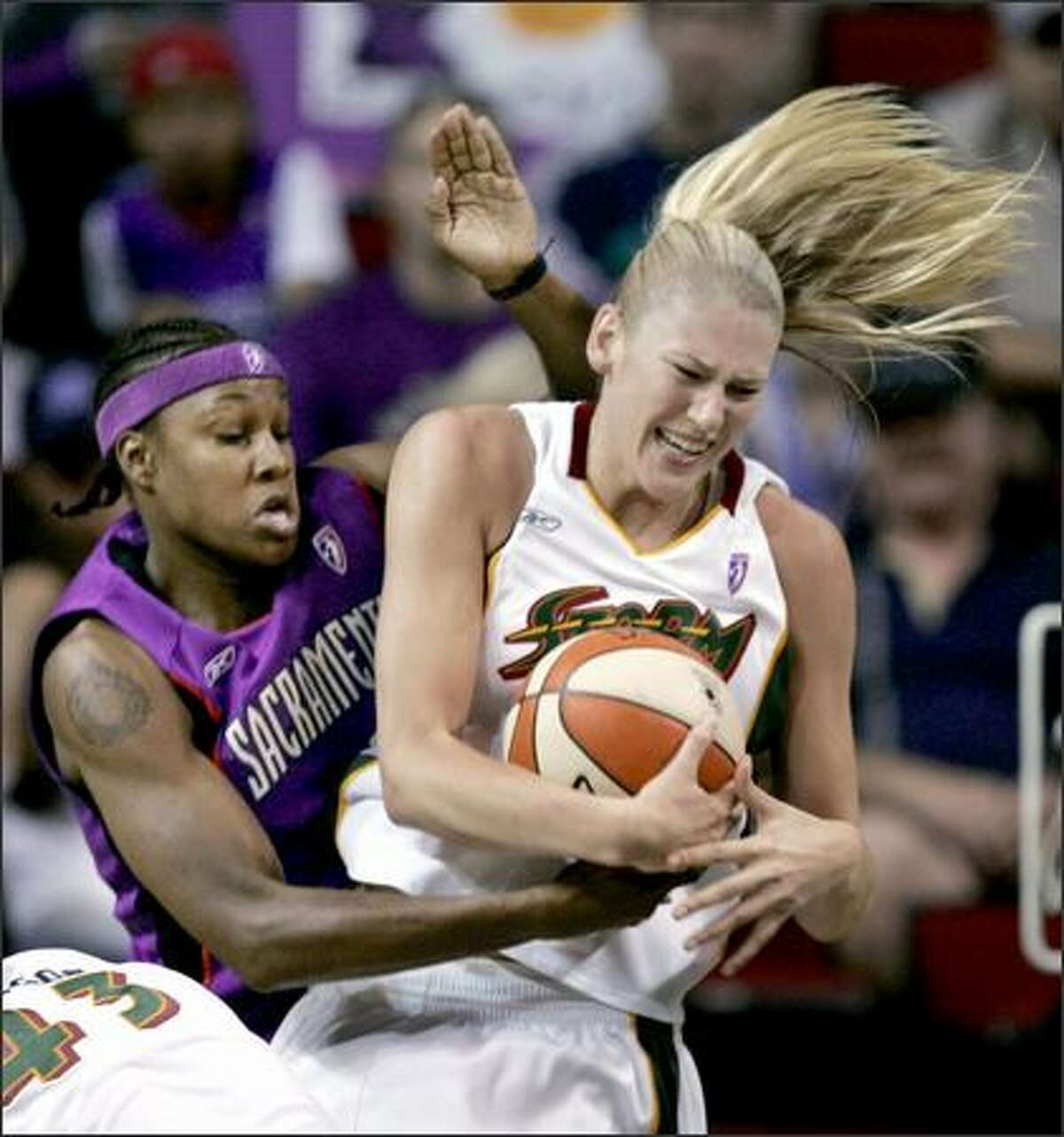 Lauren Jackson set a team record against Sacramento with 23 first-half points.