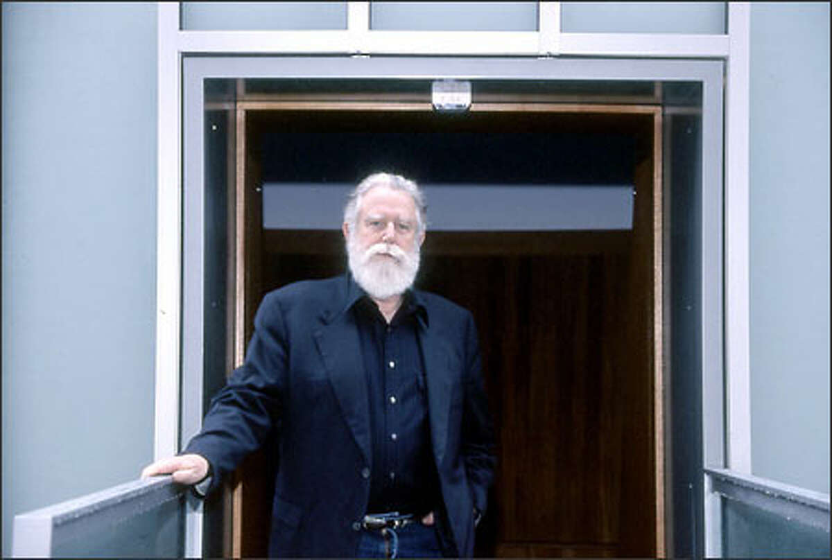 James Turrell's installation at the Henry is his first Skyspace that incorporates interior and exterior light phenomena.