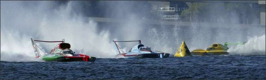 Steve David in the U-6 Oh Boy! Oberto leaves the competition in his wake as he makes the final lap on his way to winning the final race of the unlimited hydroplanes at the Chevrolet Cup at last year's Seafair. You can catch this year's unlimited final race at 4:45 p.m. Sunday. Photo: Andy Rogers, Seattle Post-Intelligencer / Seattle Post-Intelligencer