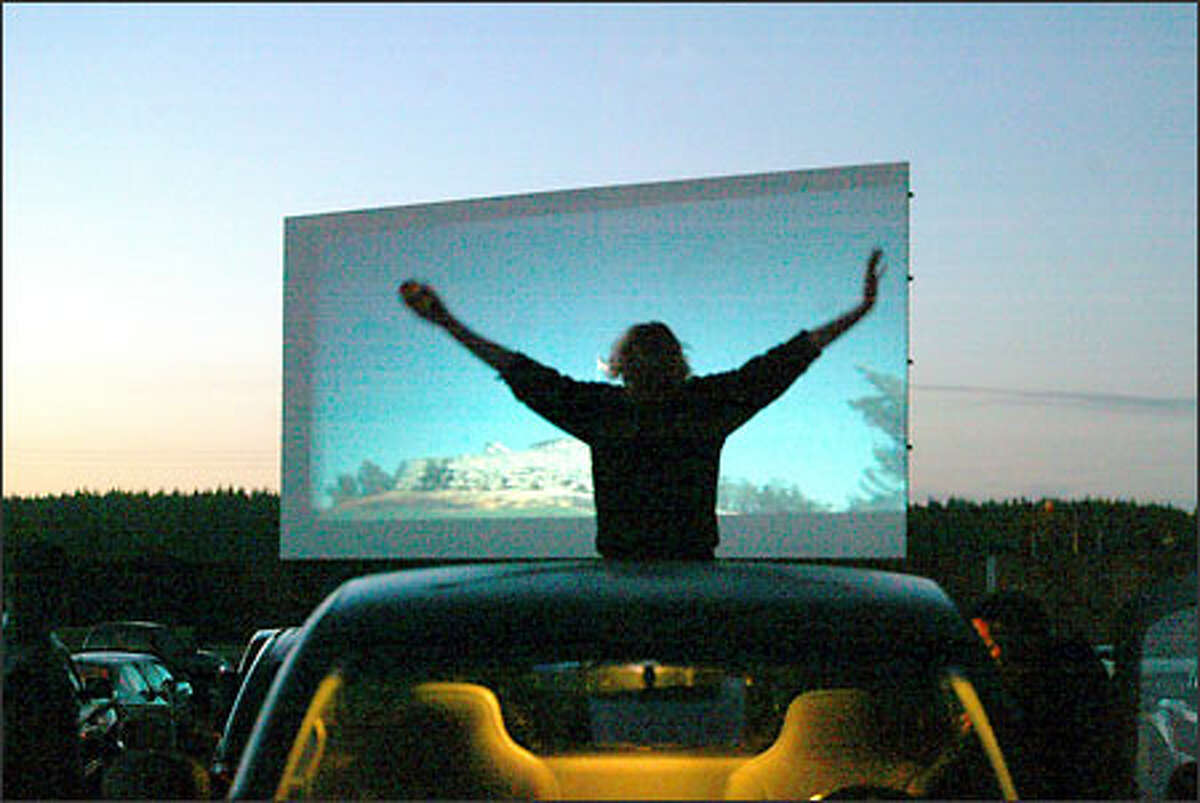 7 Seattle Area Drive In Theaters To Visit This Summer