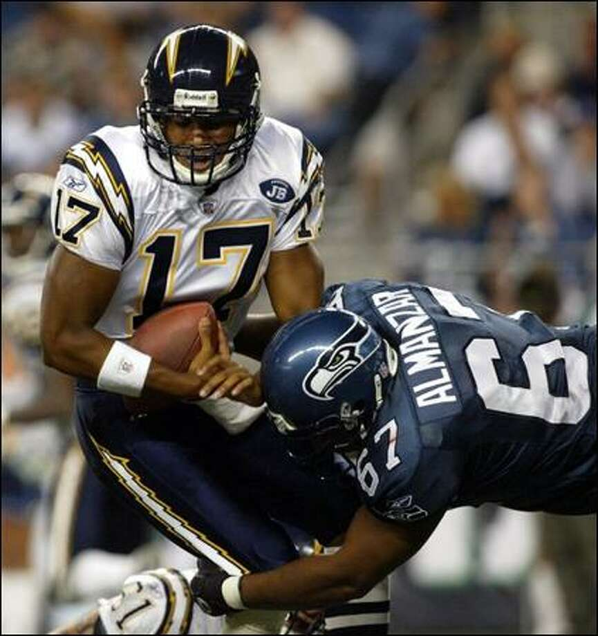 Fourth-string defensive tackle Luis Almanzar registered the team's only sack, on Chargers quarterback Cleo Lemon. Photo: David Bitton, Seattle Post-Intelligencer / Seattle Post-Intelligencer