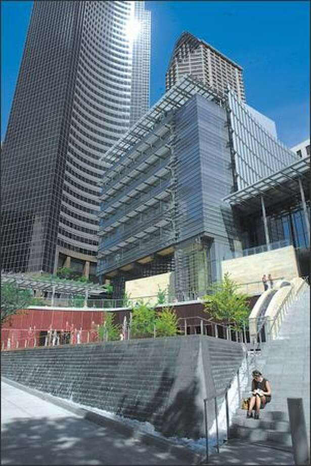 Seattle City Hall: $59.6 million owedBonds will be paid: 2032 Year payments began: 2000Source: Seattle City Council Photo: Karen Ducey, Seattle Post-Intelligencer / Seattle Post-Intelligencer