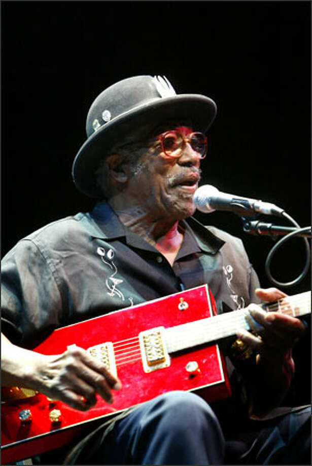 The legendary Bo Diddley brought the crowd to its feet several times Sunday during his Bumbershoot performance at McCaw Hall. Photo: Scott Eklund, Seattle Post-Intelligencer / Seattle Post-Intelligencer