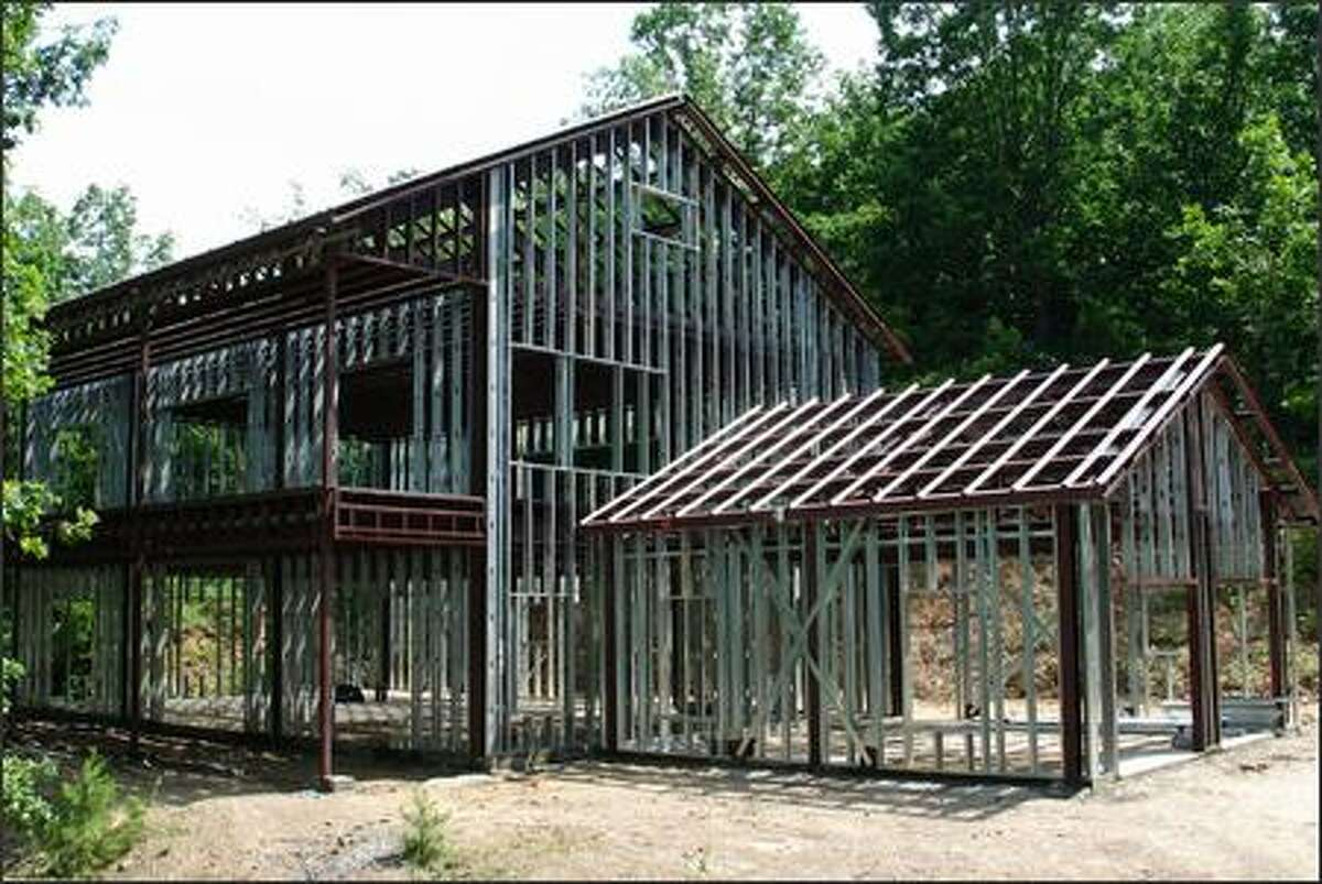 KODIAK STEEL HOMES It's easy to see how strong a steel house frame is, but other advantages are that steel will not burn or warp over time.