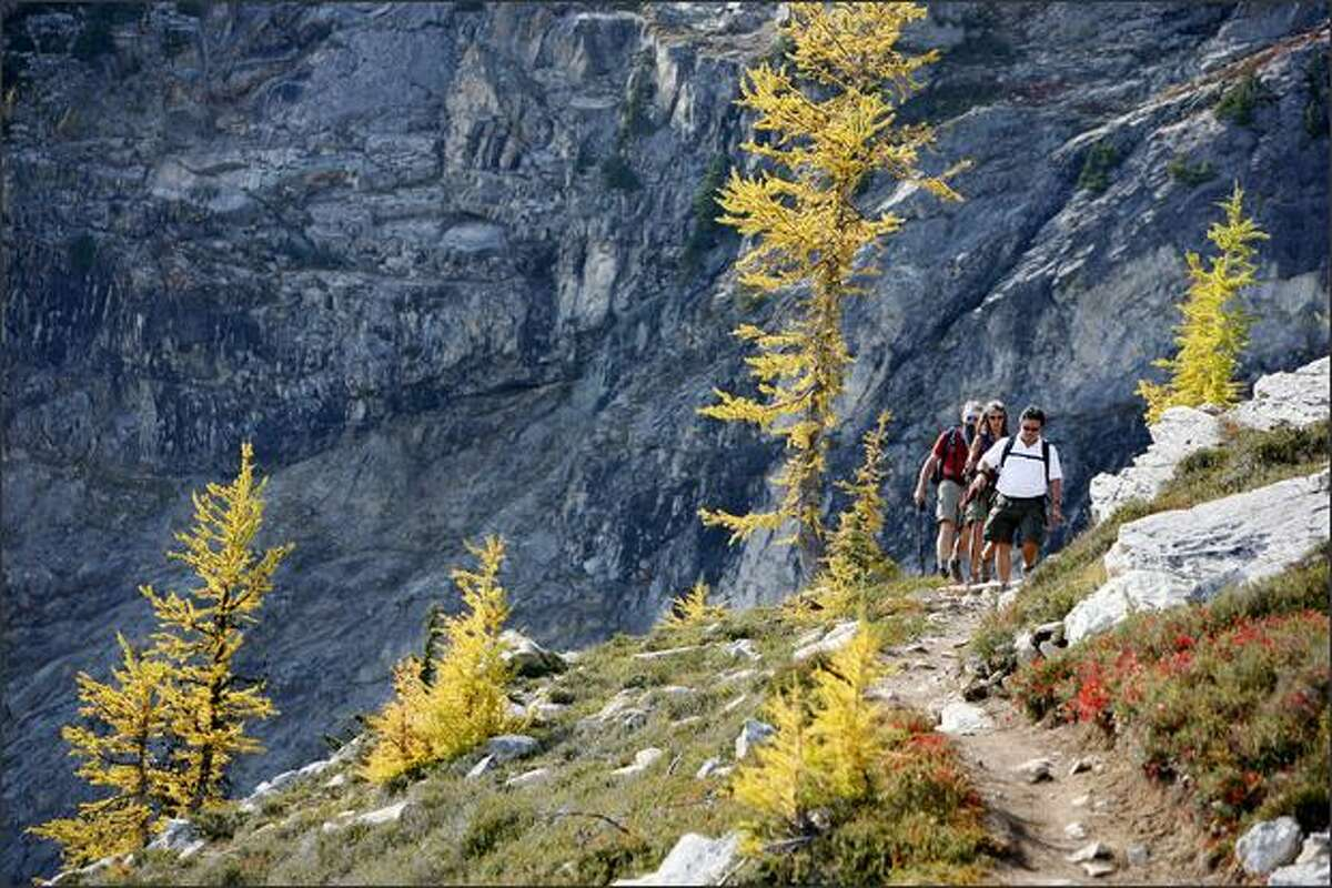 Hikers descend from Maple Pass on the Maple Pass Loop Trail.