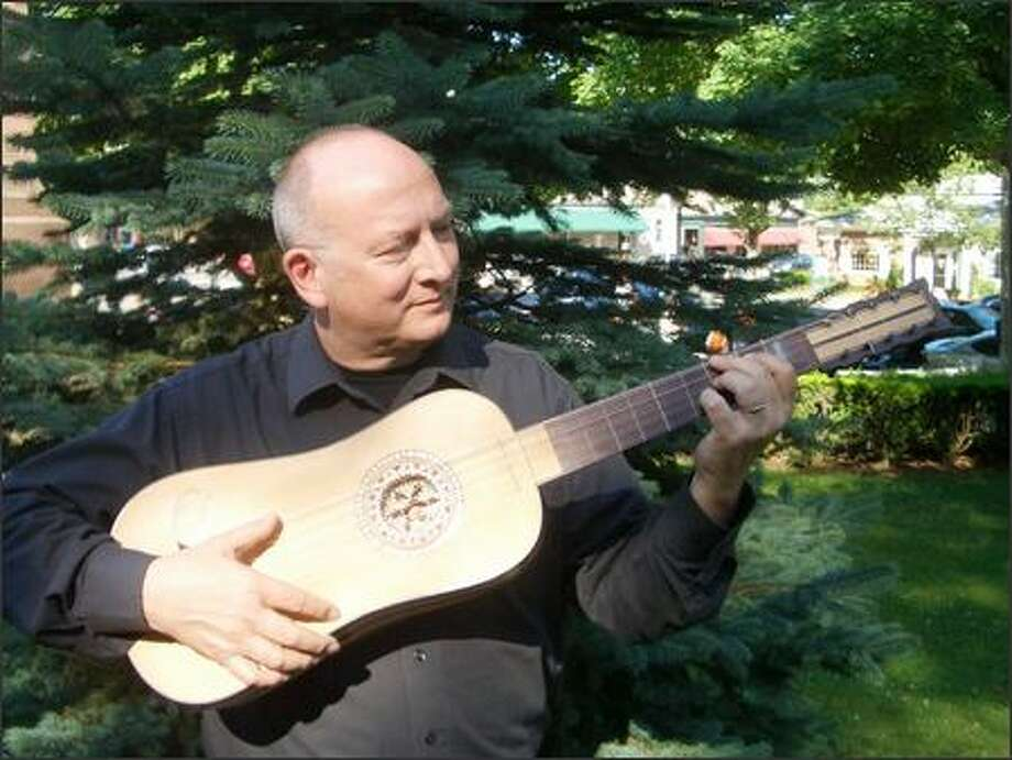 Lutenist, guitarist and director Stephen Stubbs returned two years ago to his native city, Seattle, from Europe where he had spent most of his life. He wanted to see if he could sustain his international career from Seattle instead of Germany.