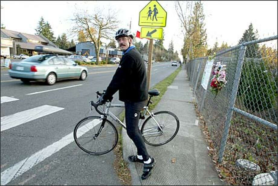 David Townsend gets ready to train for a cross-country ride that he plans to start from the Shoreline crosswalk where his daughter, Tia, 11, was killed in March. Photo: Meryl Schenker, Seattle Post-Intelligencer / Seattle Post-Intelligencer