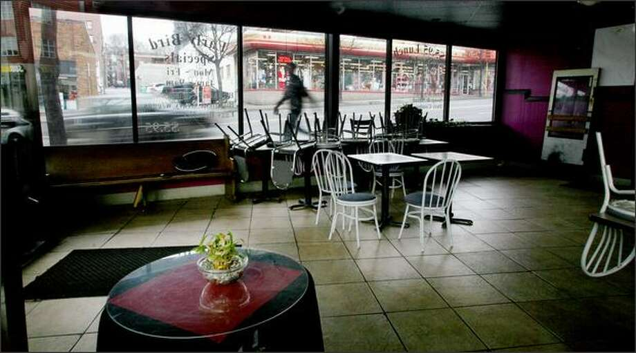 Minnie's on Denny Way is one of three 24-hour restaurants in Seattle that have closed in recent months. The others were in Ballard and the University District. Photo: Paul Joseph Brown, Seattle Post-Intelligencer / Seattle Post-Intelligencer