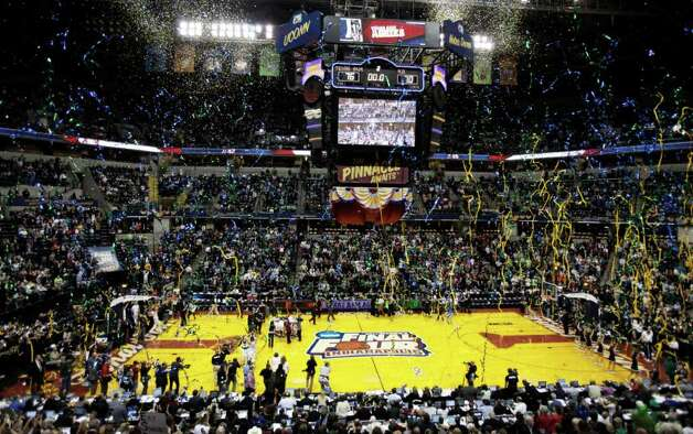 Confetti falls after Texas A&M beat Notre Dame 76-70 in the women's NCAA Final Four college basketball championship game in Indianapolis, Tuesday, April 5, 2011. Photo: AP